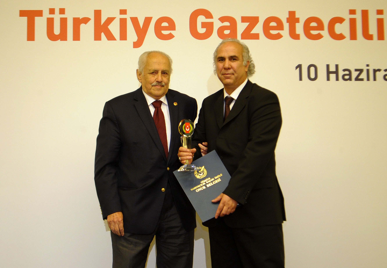 Ahmet Parlaka hayranlarından ilgi seli