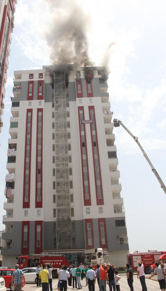 16 katlı binada çıkan Yangında can pazarı