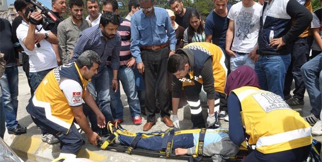 Kazada yaralanan 10 yaşındaki çocuk gazeteciye tepki gösterdi