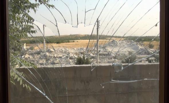 IŞİD Suriye sınırındaki resmi binaları havaya uçuruyor