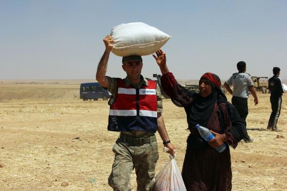 1000 kişilik Suriyeli grup Türkiye'ye giriş yaptı