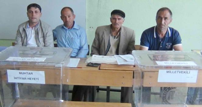 Simav'ın Kuşulu Köyü sakinleri yine sandığa gitmedi