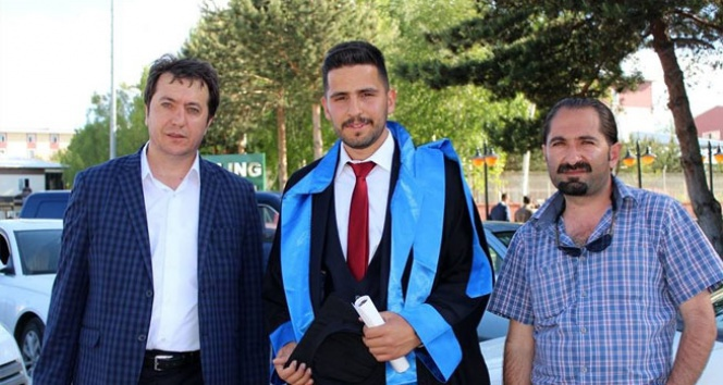 Mezuniyet törenine yetişen haberci Mehmet Yılmaz!iha muhabiri mezuniyet,mehmet yılmaz
