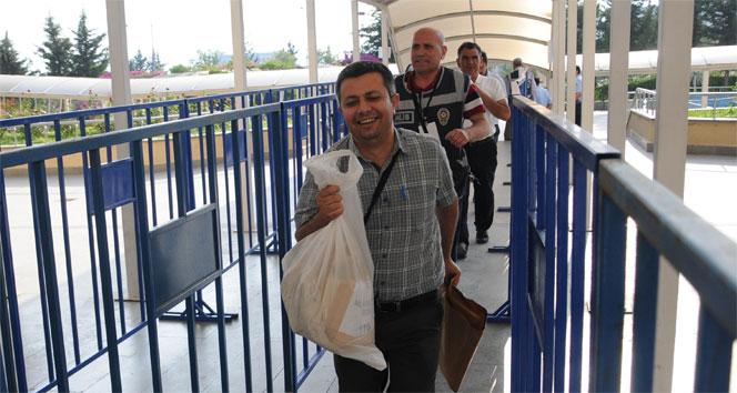 Antalyada oy çuvalları seçim kuruluna getiriliyor