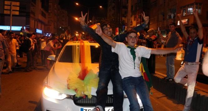 Diyarbakırda vatandaşlar sokağa döküldü