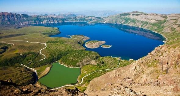 Nemrut krater gölünden eşsiz görüntüler