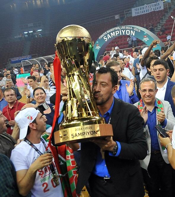 Şampiyon Karşıyaka!