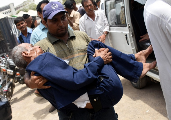 Pakistan'da sıcaklar yüzlerce kişinin ölümüne neden oldu