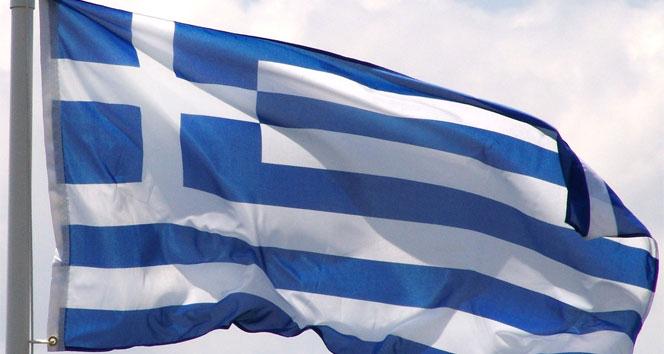 Kredi derecelendirme kuruluşlarından Yunanistan'a darbeÇipras,Moody,Yunanistan