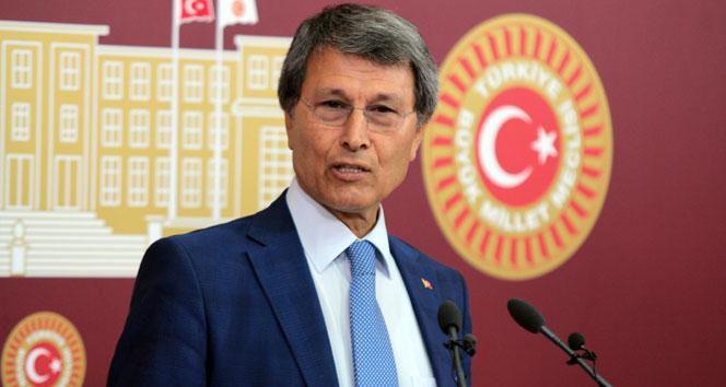 MHP'li Halaçoğlu görevinden alındıYusuf Halaçoğlu. mhp
