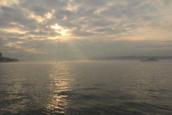 İstanbul güne sisle uyandı