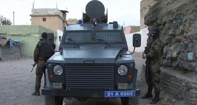 Diyarbakırda şafak operasyonu: 53 gözaltı