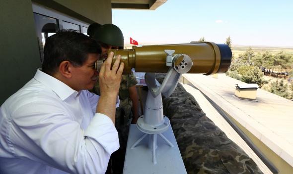 Başbakan Davutoğlu Dağ Hudut Karakolu'nda
