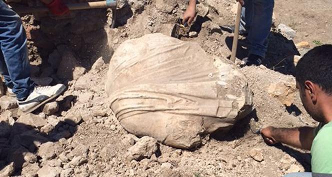 Komana kazılarından sürpriz heykelKomana Antik Kenti