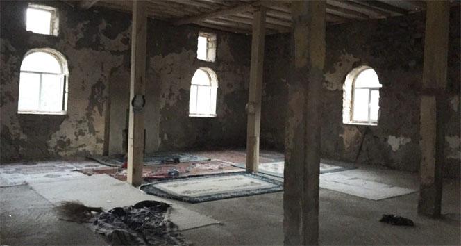 PKK'lılar camiyi karargah olarak kullanmışcami,pkk