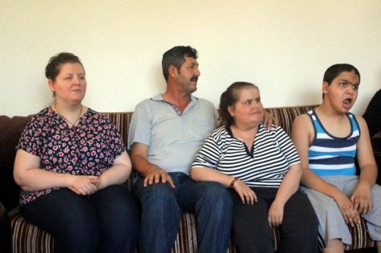 Engelli Çocuklarına Bakacak Bakıcı Bulamıyorlar
