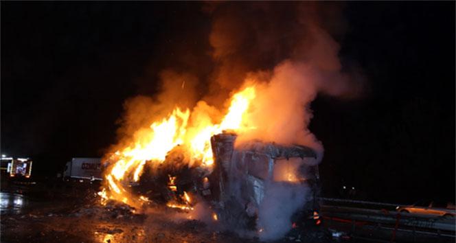 TIR ile benzin tankeri çarpıştı: 1 ölü!sakarya,trafik kazası
