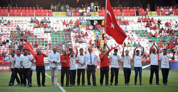 Türkiye-Hollanda maçından kareler