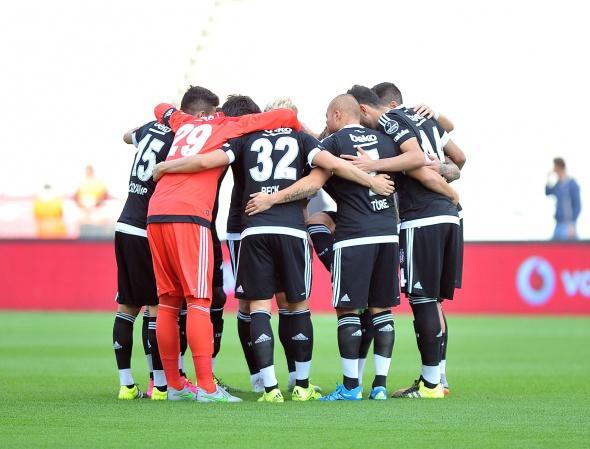 Beşiktaş-Başakşehir maçından kareler