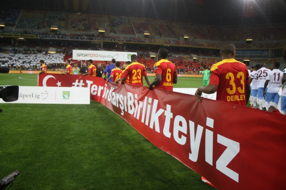 Kayserispor-Trabzonspor maçından kareler