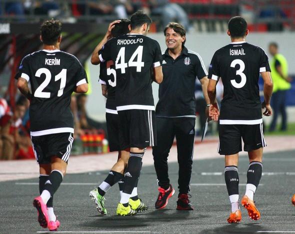Skenderbeu Beşiktaş maçından kareler