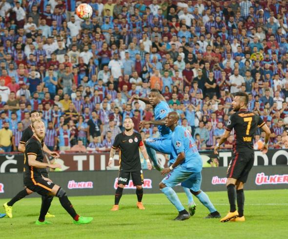 Trabzonspor-Galatasaray maçından kareler