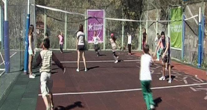 PKUlu çocuklar Uludağda kampa girdi