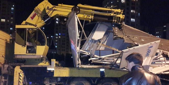 İstanbul'da köprü çöktü