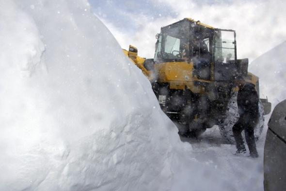Karlı dağlar işte böyle aşılıyor