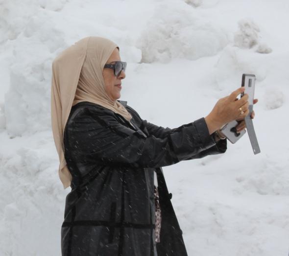 Arap turistlerin kar sevinci
