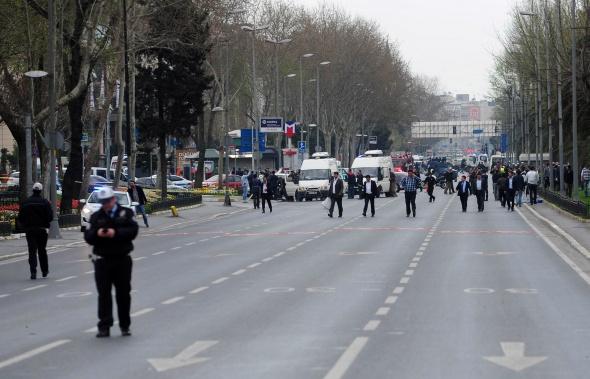İstanbul Emniyet Müdürlüğü'ne silahlı saldırı