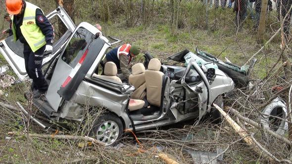 TEM Otoyolu'nda feci kaza: 4 ölü, 4 yaralı