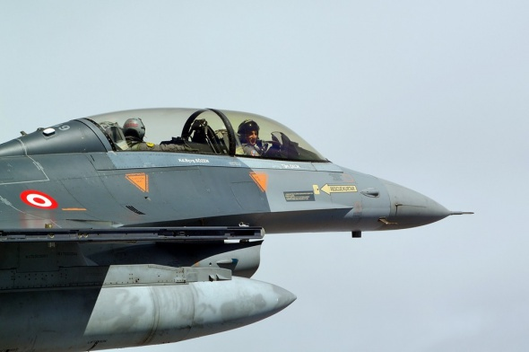 Orgeneral Öztürk hava fotoğraf görevini uçarak denetledi