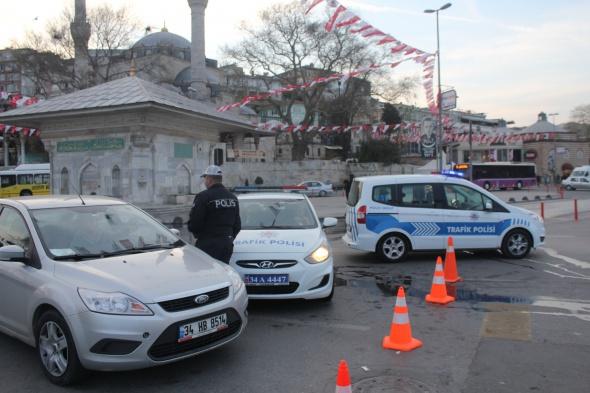 İstanbullular dikkat! O yol bugün trafiğe kapatıldı!