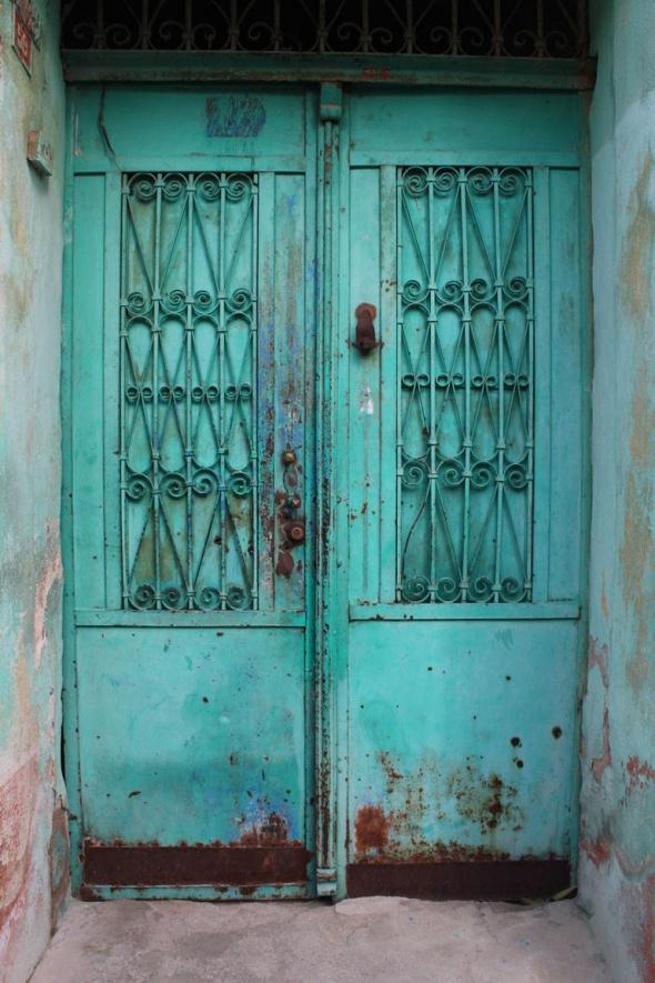 Tarihi kapılar ev sahiplerinin ipuçlarını veriyor