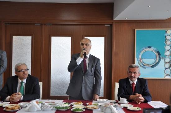 Vali Karahan Gazeteciler İle Kahvaltıda Turizmi Konuştu