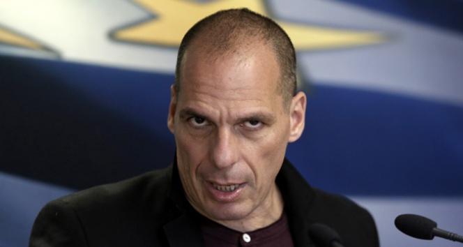 Saldırıya uğrayan Yunan Bakanı eşi korudu saldırıya uğrayan bakan Yunanistan Maliye Bakanı,Yanis Varoufakis