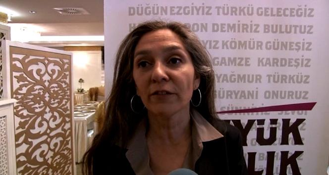 Tarhan Erdem'in HDP'li kızı: 'Babam bana çok doğru bir iş yaptığımı hissettiriyor' Araştırmacı yazar Tarhan Erdem