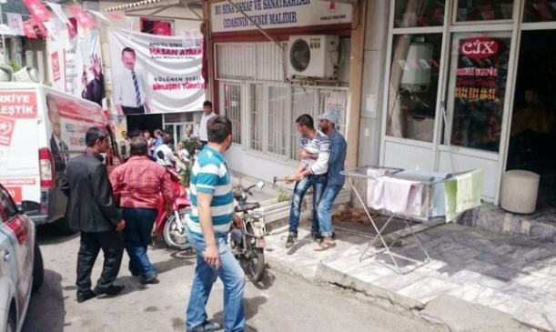 Aydın'da Vatan Partili Milletvekili Adayları Saldırıya Uğradı