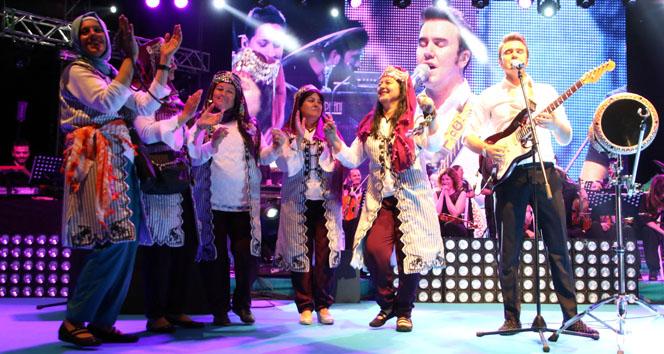 Yörük Festivali'nde Mustafa Ceceli rüzgarı