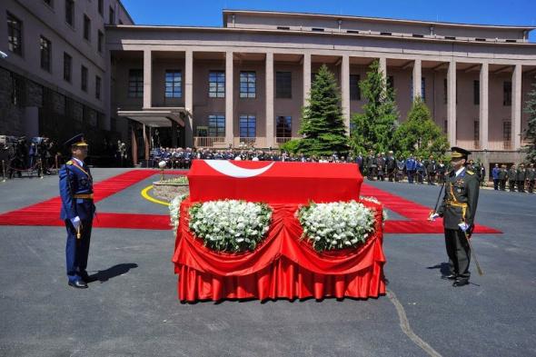 Fotoğraflarla Kenan Evren'in cenaze töreni