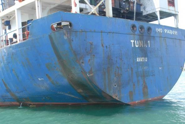 İşte Libya açıklarında vurulan gemideki saldırı izleri